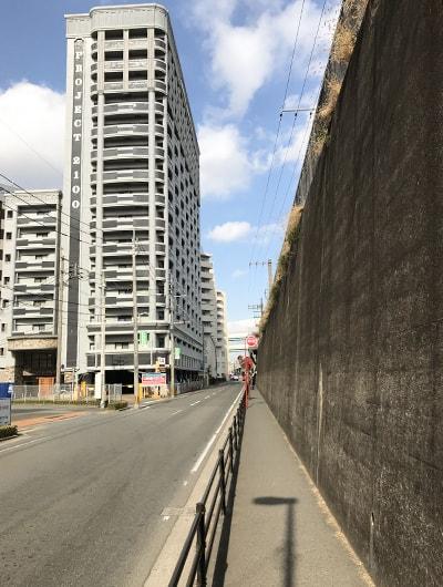 JR天王寺東口から徒歩2分程です。